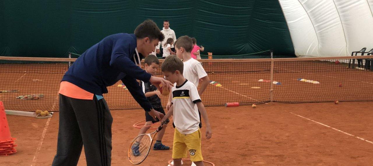 Bezpłatne lekcje tenisa ziemnego