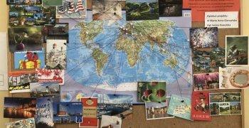 30 pocztówek na 30-lecie szkoły w ramach projektu Postcrossing!
