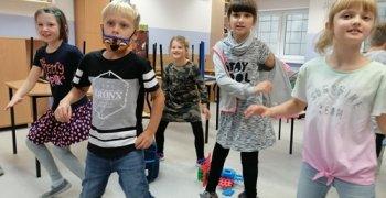 Zajęcia taneczno- ruchowe, klasy II